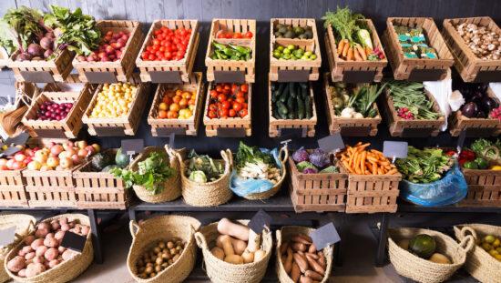 Доставка на свежи плодове и зеленчуци за магазини - Натурални храни ООД